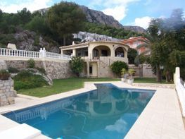 Chalet for sale in urbanización Oltamar E, Calpe/Calp - 14427499