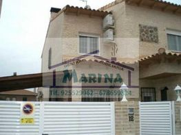 Terrace house for sale in Ugena - 366940759