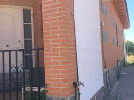 Casa adosada en venta en calle Esquivias, Carranque