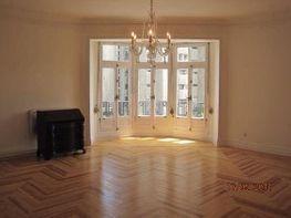 Piso en alquiler en Recoletos en Madrid - 350330809