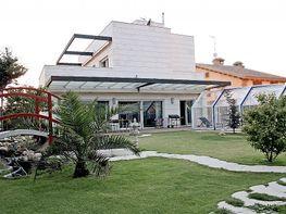 Villa en vendita en calle Caballero de la Triste Figura, Tres Olivos-Valverde en Madrid - 216194357