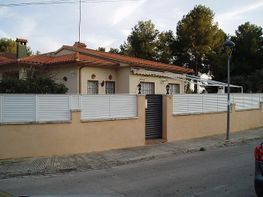Fachada - Casa en venta en calle Montserrat, Can Nicolau en Cunit - 183640107