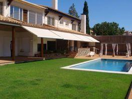 Fachada - Chalet en alquiler en calle Avda Santiago Rusiñol, Vallpineda en Sitges - 49355045