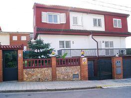 casa adossada en venda carrer esteve albert, dosrius