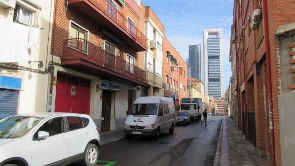 Local comercial en alquiler en calle Cedros, Tetuán en Madrid - 358655013