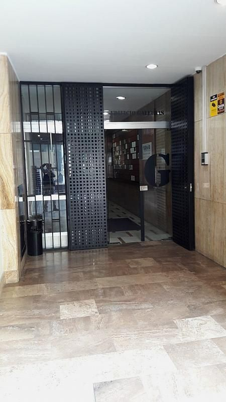 Local comercial en alquiler en calle Barón de Cárcer, El Mercat en Valencia - 415853084
