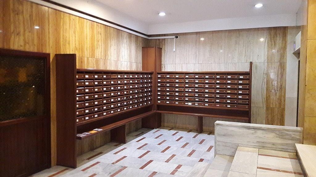 Local comercial en alquiler en calle Barón de Cárcer, El Mercat en Valencia - 415853087