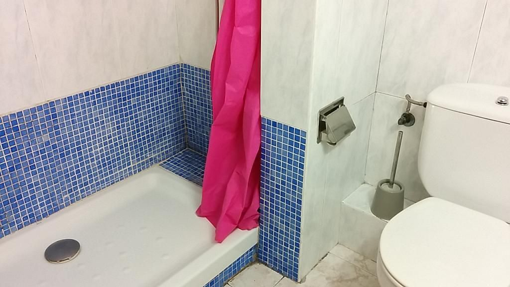 Baño - Piso a compartir en calle Murillo, El Poble Sec-Montjuïc en Barcelona - 313272045