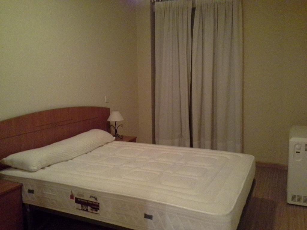 Dormitorio - Apartamento en alquiler en calle Cuesta de San Blas, Centro en Salamanca - 397629443