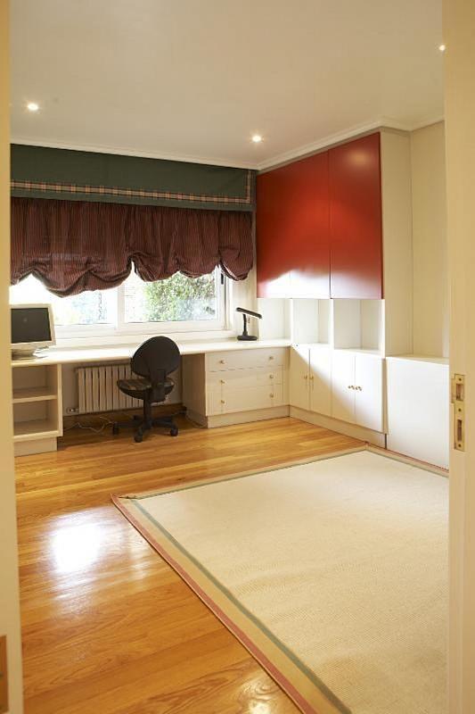 Casa en alquiler en Teo - 355316771