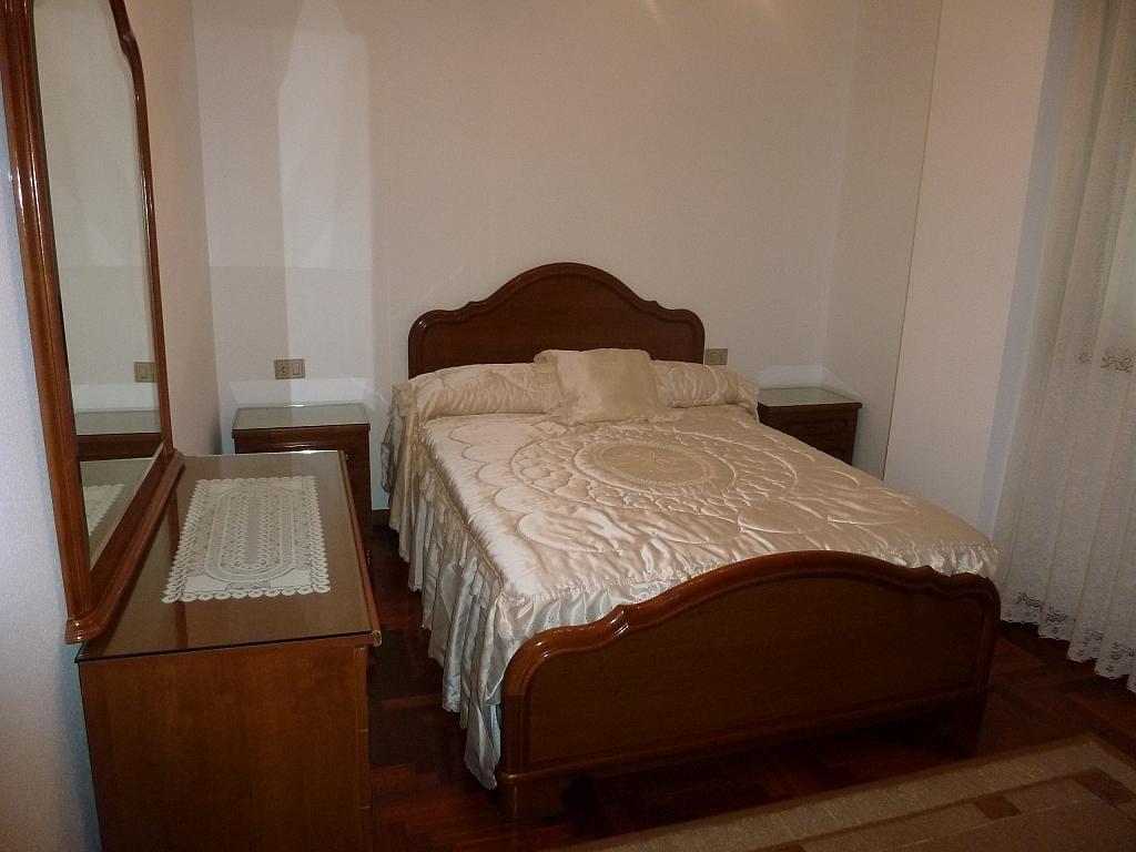 Piso en alquiler en calle Doctor Lago Olano, Calvario-Santa Rita-Casablanca en Vigo - 317595827