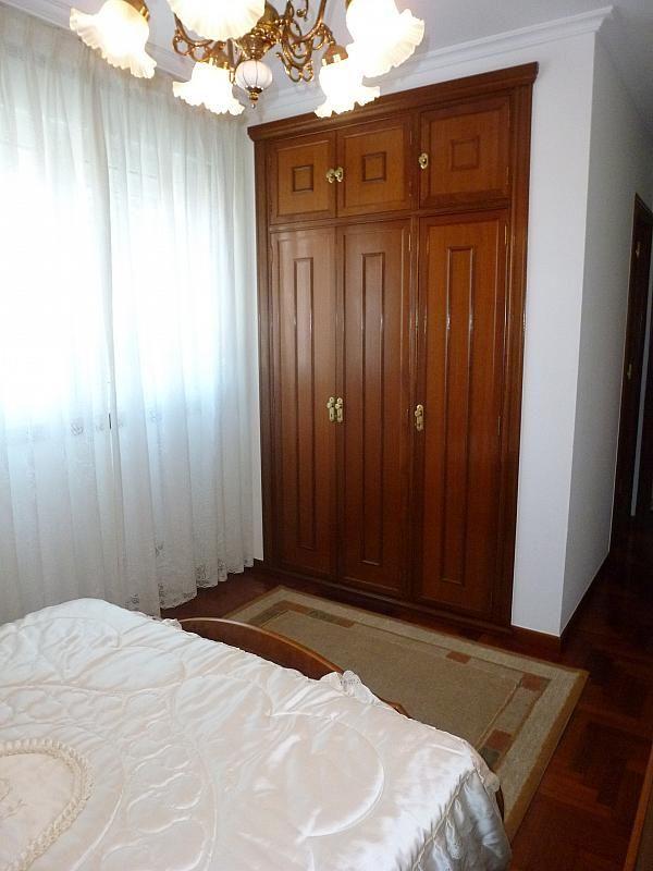 Piso en alquiler en calle Doctor Lago Olano, Calvario-Santa Rita-Casablanca en Vigo - 317595838