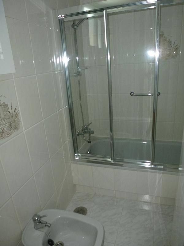 Piso en alquiler en calle Doctor Lago Olano, Calvario-Santa Rita-Casablanca en Vigo - 317595860