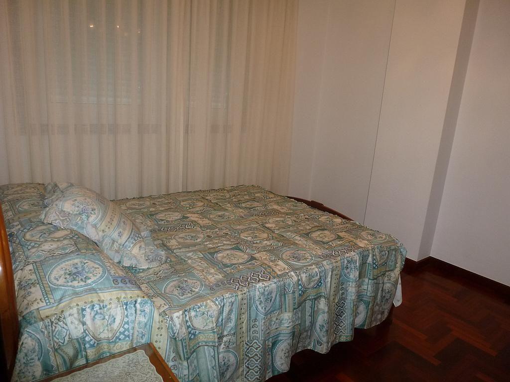 Piso en alquiler en calle Doctor Lago Olano, Calvario-Santa Rita-Casablanca en Vigo - 317595878