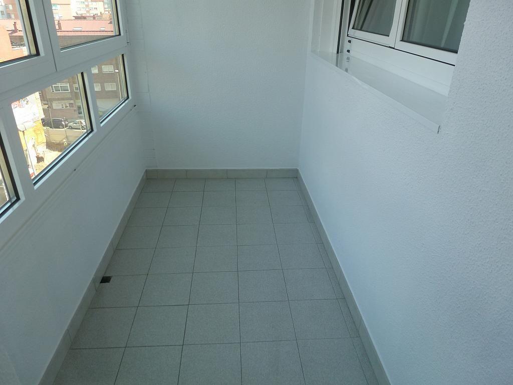 Piso en alquiler en calle Doctor Lago Olano, Calvario-Santa Rita-Casablanca en Vigo - 317595888