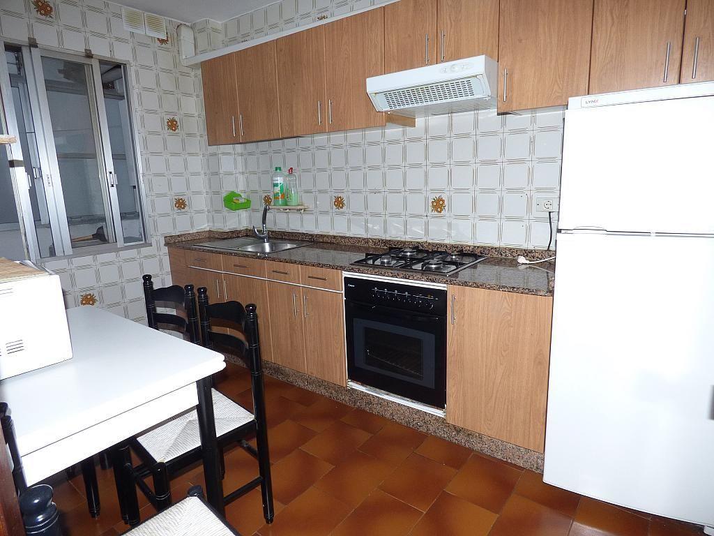 Piso en alquiler en calle Barcelona, As Travesas-Balaídos en Vigo - 329127302