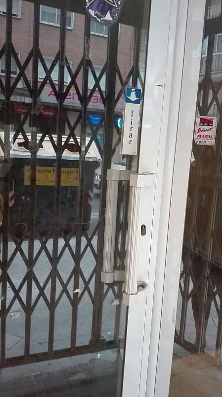 Local comercial en alquiler en calle Emperatriz Eugenia, Ronda en Granada - 385239578