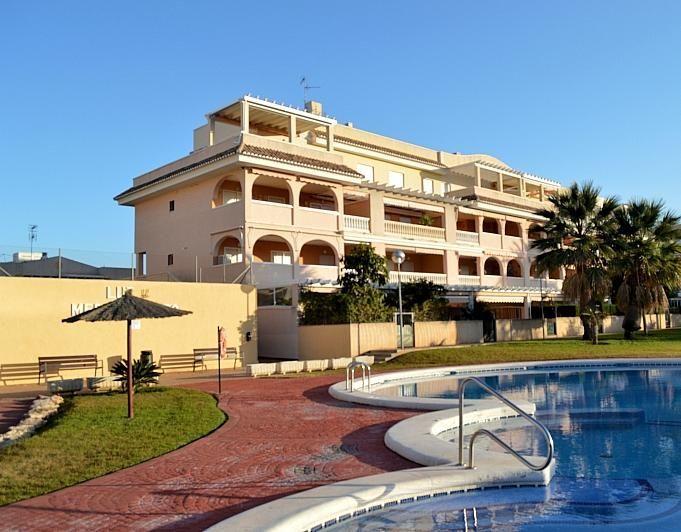 Apartamento en alquiler en Dénia - 395250561