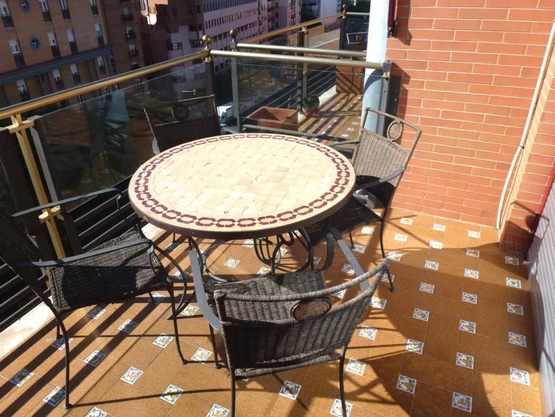 Terraza - Piso en alquiler en calle San Sebastian, Zona Centro en Huelva - 90321675