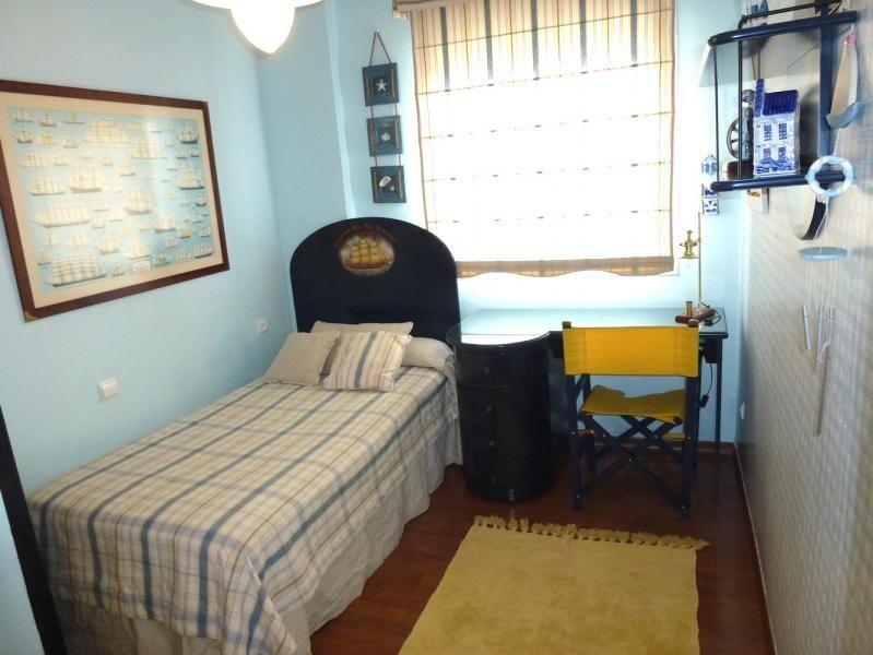 Dormitorio - Piso en alquiler en calle San Sebastian, Zona Centro en Huelva - 90321681