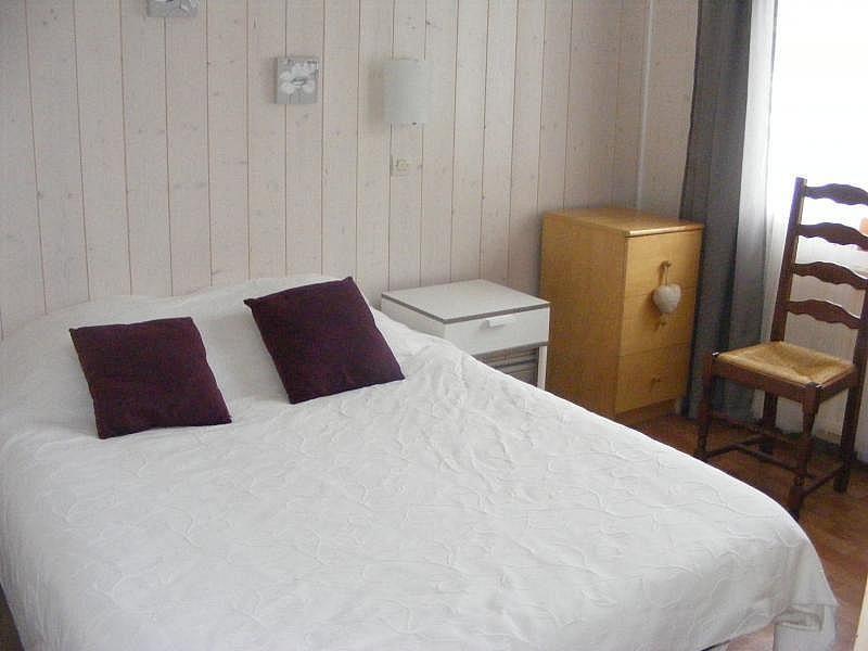 Dormitorio - Apartamento en alquiler de temporada en Bagnères-de-Luchon - 374010708