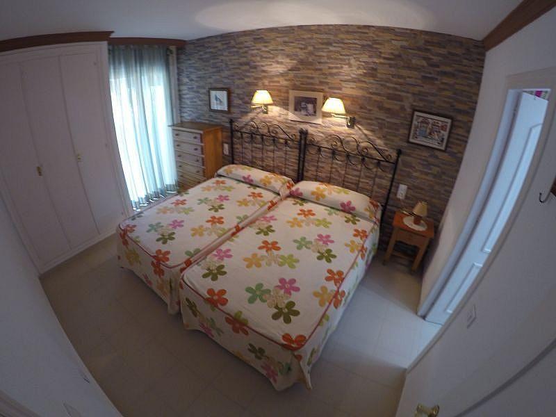Dormitorio - Apartamento en alquiler de temporada en Roquetas de Mar - 389472055