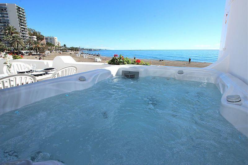 Vistas desde la terraza - Apartamento en alquiler de temporada en Nagüeles Alto en Marbella - 360680499
