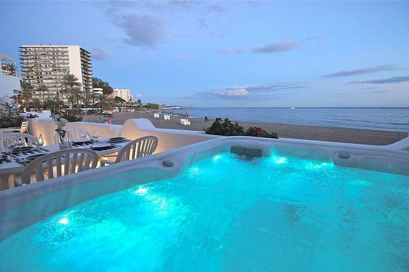 Vistas desde el alojamiento - Apartamento en alquiler de temporada en Nagüeles Alto en Marbella - 360680517