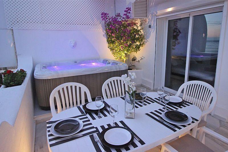 Vistas desde la terraza - Apartamento en alquiler de temporada en Nagüeles Alto en Marbella - 360680520