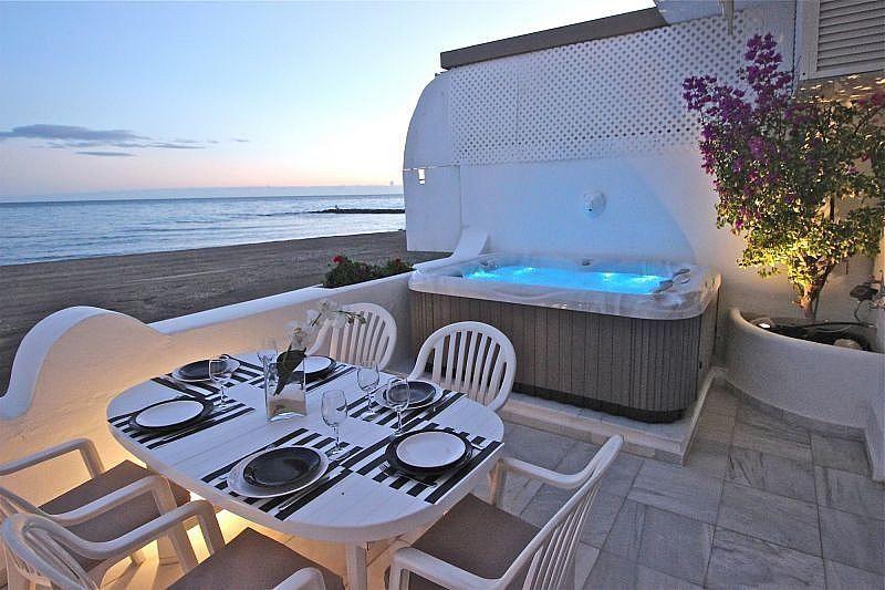 Vistas desde la terraza - Apartamento en alquiler de temporada en Nagüeles Alto en Marbella - 360680523