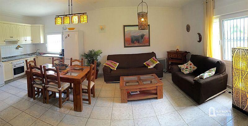 Salón - Casa en alquiler de temporada en Conil de la Frontera - 387059264