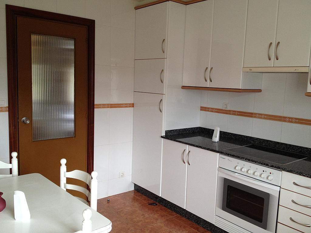 Piso en alquiler en calle Camiño Ponte Do Ba, Arteixo - 124979378