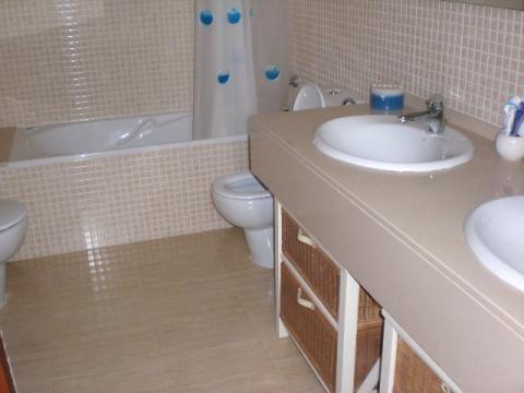 Baño - Apartamento en venta en calle Francesc Mas Ros, Els masos en Coma-Ruga - 25801853