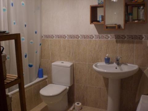 Baño - Apartamento en venta en calle Francesc Mas Ros, Els masos en Coma-Ruga - 25801857