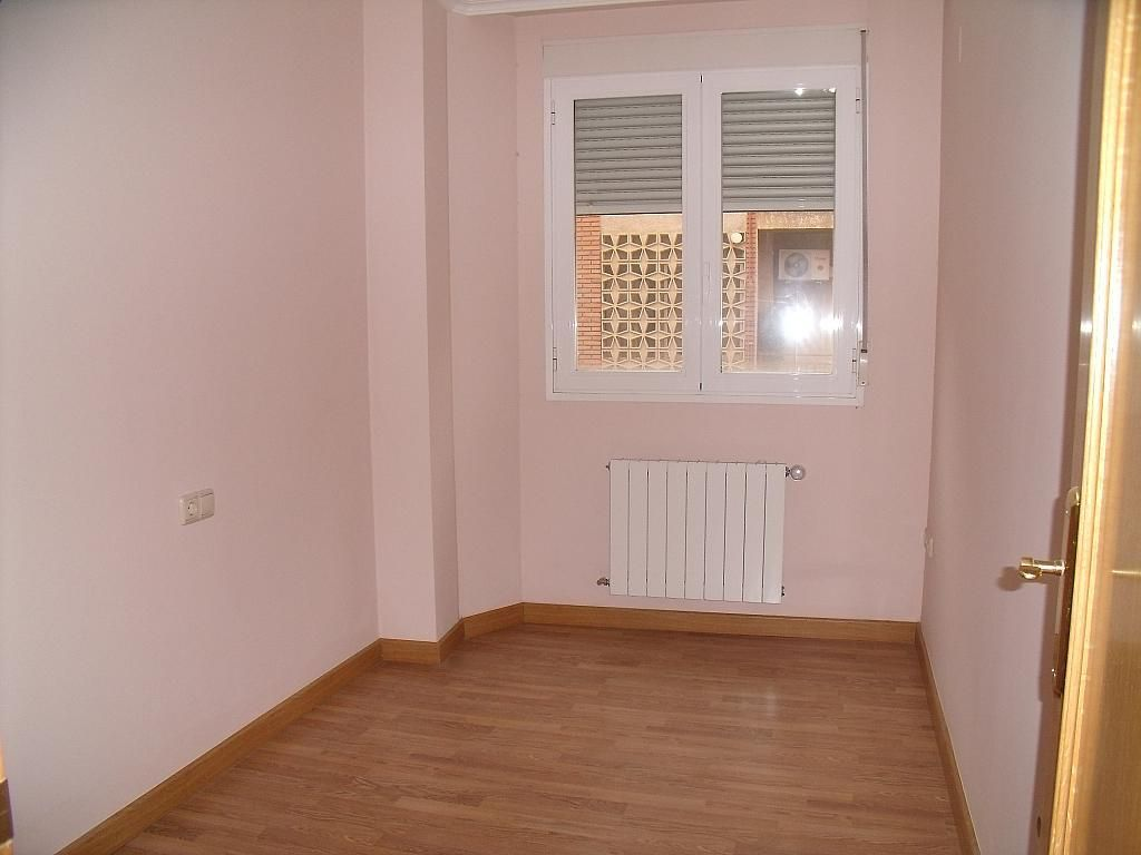 Apartamento en venta en calle Cuchilleros, Cubas-Industria en Albacete - 252371319
