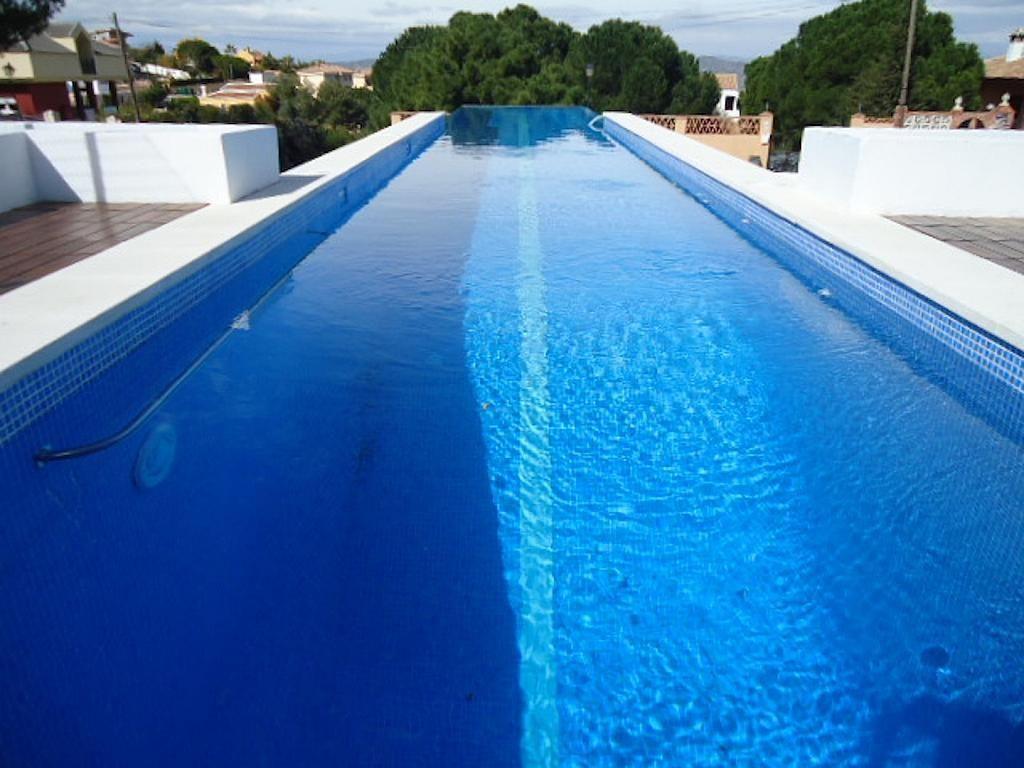 Piscina - Casa en alquiler en calle Casares, Alhaurín de la Torre - 235798722