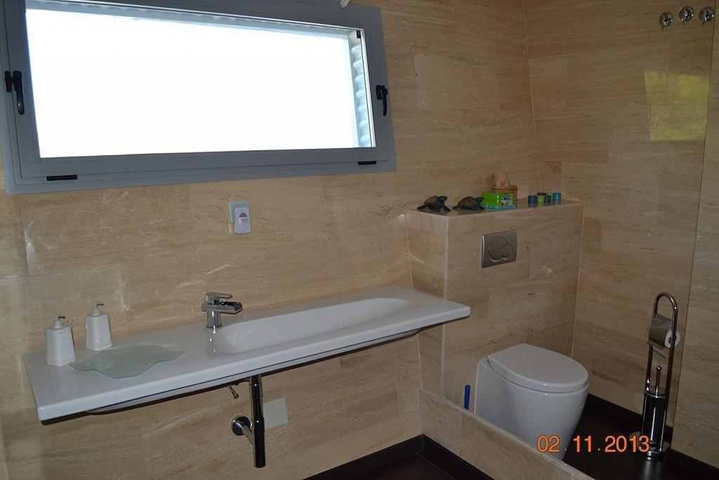 Baño - Casa en alquiler en calle Casares, Alhaurín de la Torre - 235798771