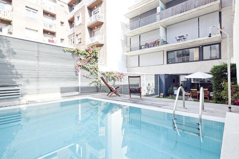 Piscina - Dúplex en alquiler de temporada en calle Prats de Mollo, Sant Gervasi – Galvany en Barcelona - 84234526