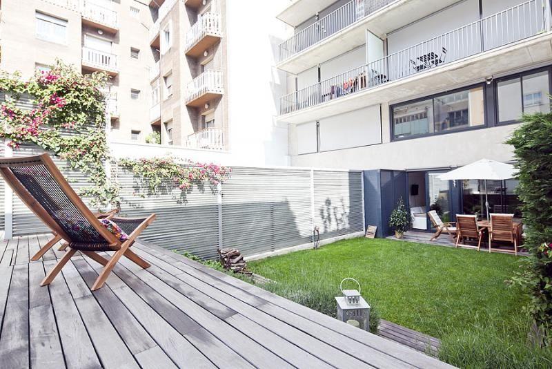 Jardín - Dúplex en alquiler de temporada en calle Prats de Mollo, Sant Gervasi – Galvany en Barcelona - 84234527