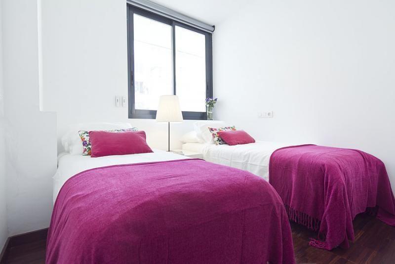 Dormitorio - Dúplex en alquiler de temporada en calle Prats de Mollo, Sant Gervasi – Galvany en Barcelona - 84234530