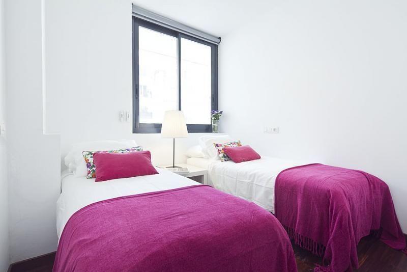 Dormitorio - Dúplex en alquiler de temporada en calle Prats de Mollo, Sant Gervasi – Galvany en Barcelona - 84234531