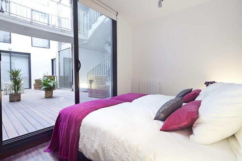 Dormitorio - Dúplex en alquiler de temporada en calle Prats de Mollo, Sant Gervasi – Galvany en Barcelona - 84234535