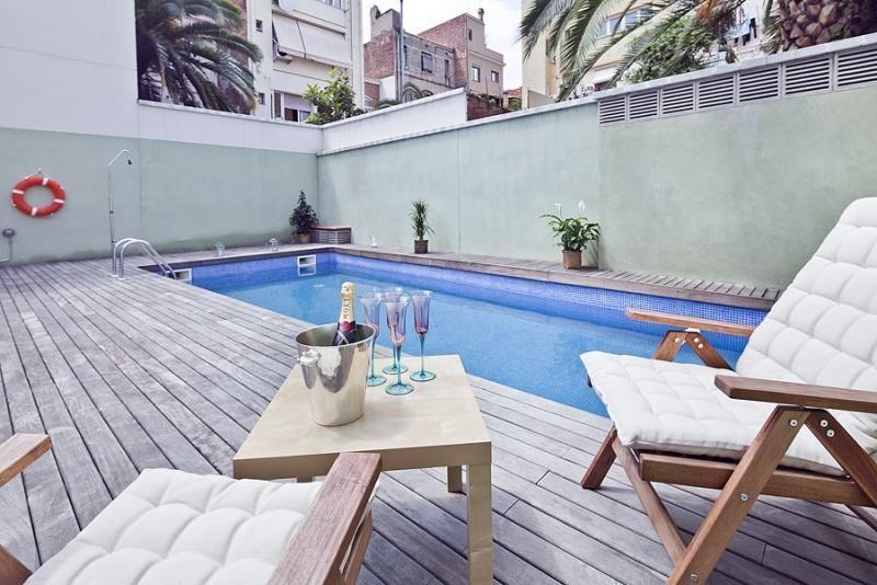 Piscina - Ático-dúplex en alquiler de temporada en calle Ramón y Cajal, Vila de Gràcia en Barcelona - 84381910