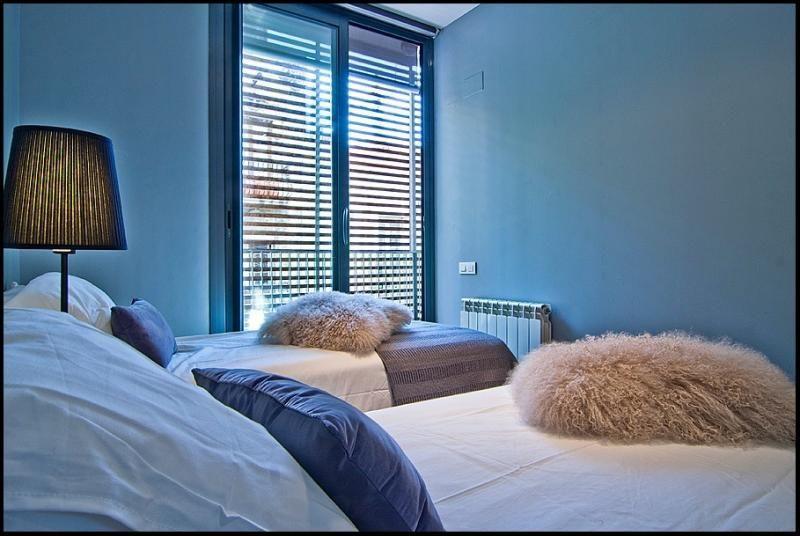 Dormitorio - Ático-dúplex en alquiler de temporada en calle Ramón y Cajal, Vila de Gràcia en Barcelona - 84381915