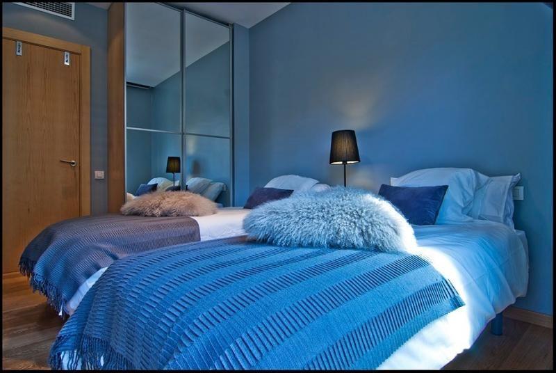 Dormitorio - Ático-dúplex en alquiler de temporada en calle Ramón y Cajal, Vila de Gràcia en Barcelona - 84381916