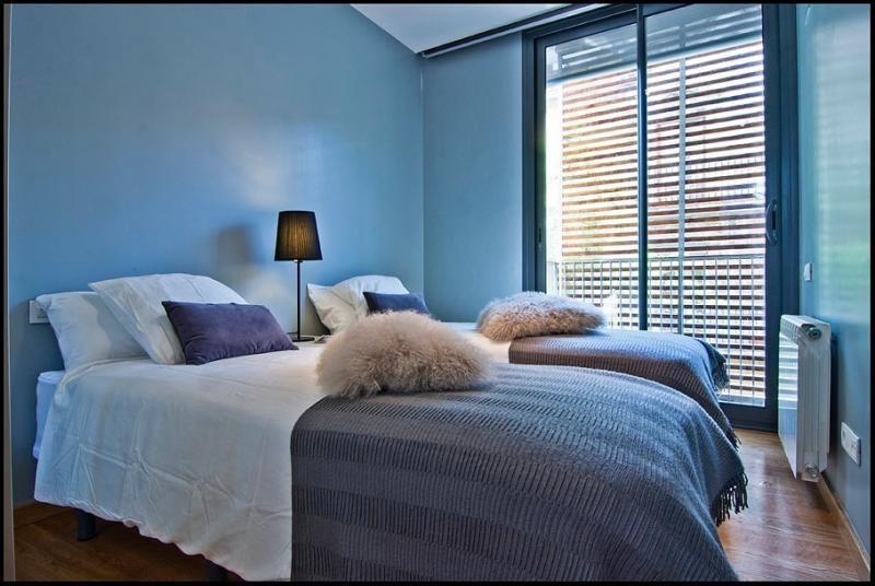 Dormitorio - Ático-dúplex en alquiler de temporada en calle Ramón y Cajal, Vila de Gràcia en Barcelona - 84381922
