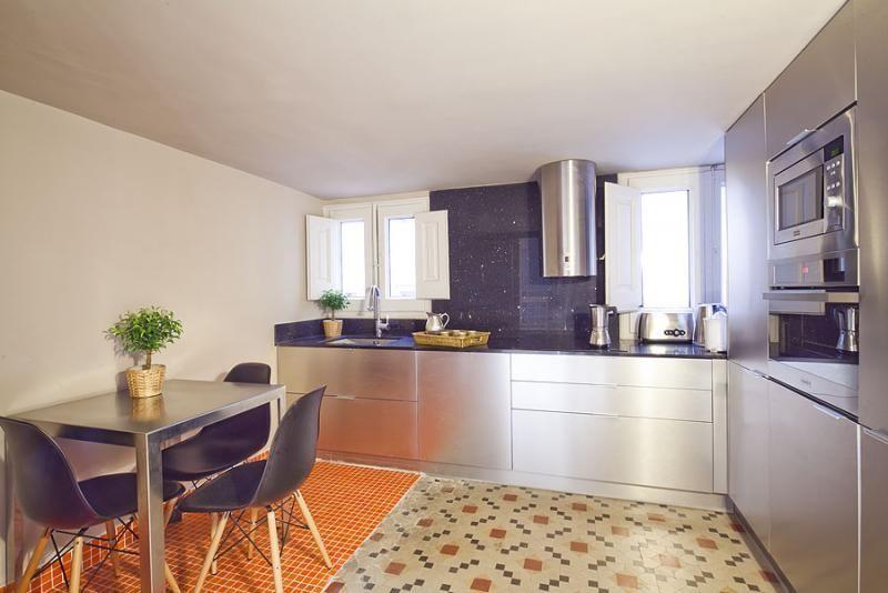 Cocina - Apartamento en alquiler de temporada en rambla Catalunya, Eixample dreta en Barcelona - 84382213