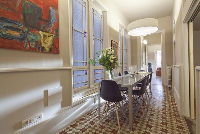 Comedor - Apartamento en alquiler de temporada en rambla Catalunya, Eixample dreta en Barcelona - 84382217