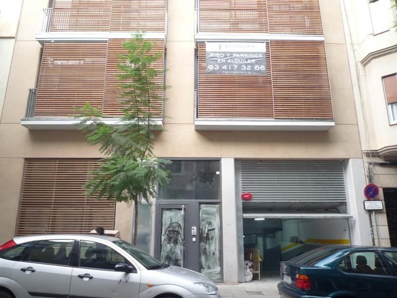 Parking en alquiler en calle Ramon y Cajal, Vila de Gràcia en Barcelona - 97519073
