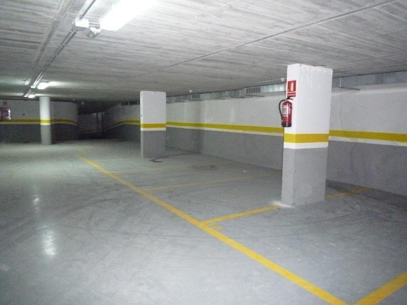 Parking en alquiler en calle Ramon y Cajal, Vila de Gràcia en Barcelona - 97519090